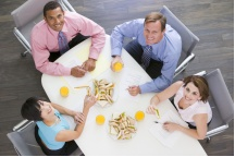 Диеты, их разнообразие и назначение секреты диетологов  - Офисмены завтракают .png