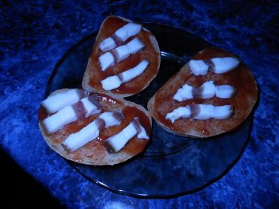 Рецепты приготовления бутербродов на скорую руку - DSCN6338батон сало соус.jpg