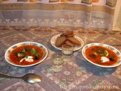 Подаем солянку с майонезом в суповой тарелке, украсив лимоном, оливками и зеленью. Приятного аппетита  - 22.JPG