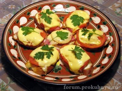 Горячие бутерброды с ветчиной, помидором и сыром - 02.JPG