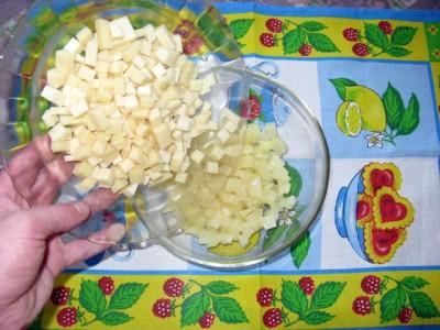 Салат из ананаса, чеснока и сыра - Салат из ананаса с сыром_3.JPG