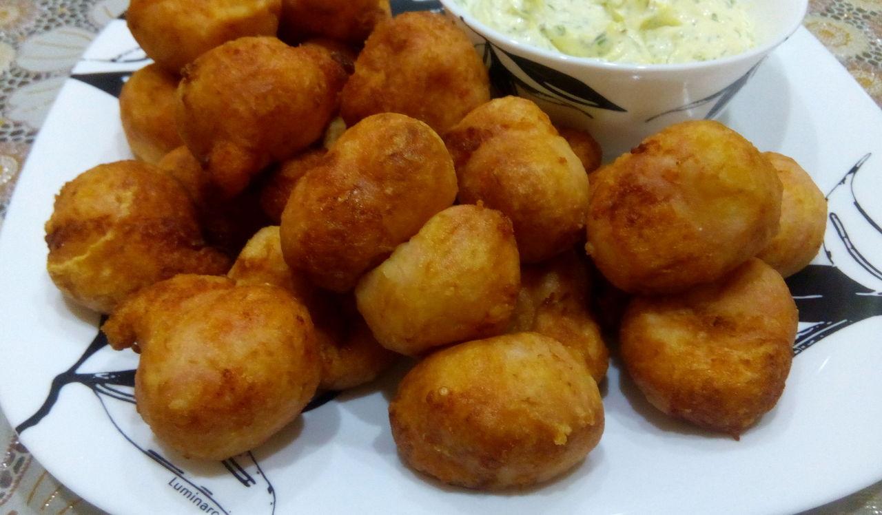 сырные шарики с колбасой рецепт в духовке