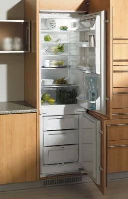 Планировка кухни - Холодильник в кухне.jpg