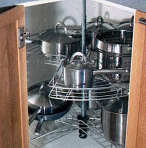 Комфорт на кухне – современные кухонные гарнитуры - Угловая карусель.jpg