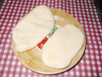Пирожки и пицца на быстром дрожжевом тесте - лепим пирожки.jpg