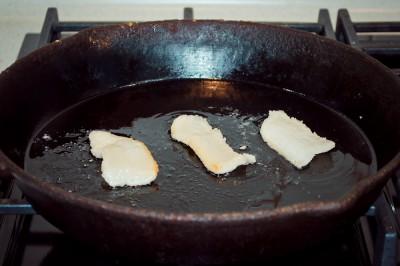 Любимые рецепты приготовления жареной картошки - Сало топится.jpg