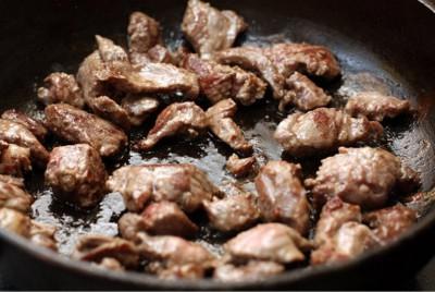 Свинина с овощами и черносливом в горшочках - 00.jpg