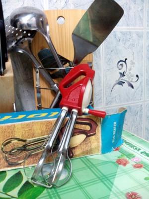 Бесполезная кухонная техника - ручной миксер.jpg