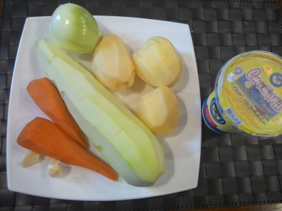 Кабачковый суп-пюре с куриными голенями - 01 Кабачковый суп-пюре.jpg