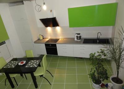 Какой цвет кухни Вы выбираете? - Зеленая кухня.jpg