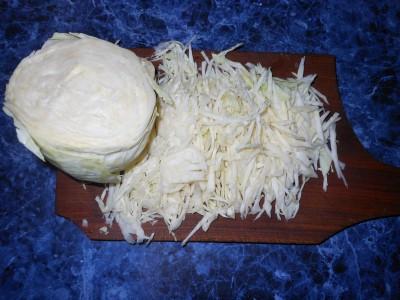 Салат с фасолью постный с майонезным постным соусом  - капуста на салат.jpg