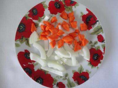 Свинина с овощами и черносливом в горшочках - 3_901x676.jpg