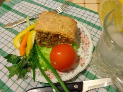 Слоеный пирог с рыбной консервой - DSC00847.JPG