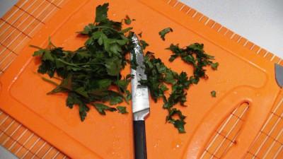 Интересные блины с петрушкой и вкусной начинкой из смеси сыр - DSC07134.JPG