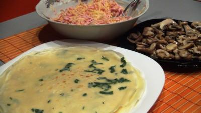 Интересные блины с петрушкой и вкусной начинкой из смеси сыр - DSC07146.JPG