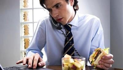 Едите ли Вы за компьютером ноутбуком и т.п.? - Еда перед ноутбуком.jpg