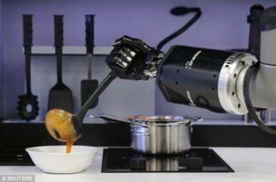 Робот-повар, способный готовить 2000 блюд – уже в 2017-м  - robot.jpg