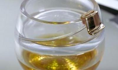 Новый стакан для потягивания виски в космосе  - space.jpg