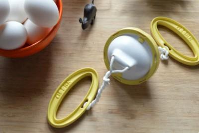 Оригинальные полезные приспособления для кухни - golden-goose-egg-scrambler-1-660x440.jpg