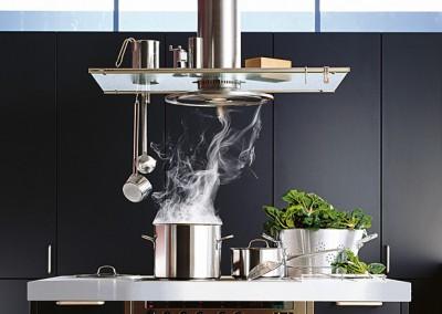 Как выбрать вытяжку для кухни - Extractor fan in the kitchen.jpg