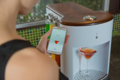 Персональный робот-бармен Somabar - робот.jpg