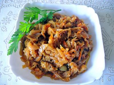Солянка тушеная капуста с фасолью и грибами  - P1140964_1.jpg