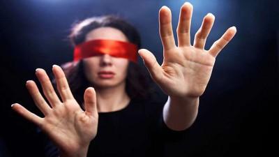 Не видел - не ел? Ученые: есть надо с закрытыми глазами - 0.jpg