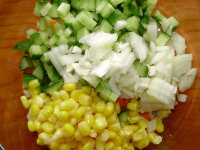 Кукурузный салат со свежим огурцом - P2161012.JPG