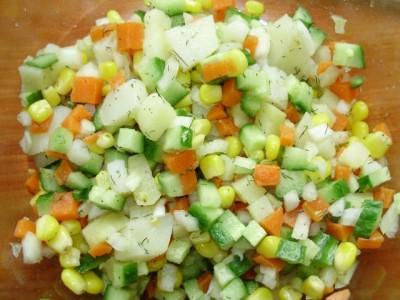 Кукурузный салат со свежим огурцом - P2161013.JPG
