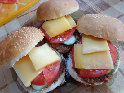 Рецепты гамбургеров и чизбургеров домашнего приготовления  - DSC03406.JPG