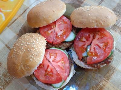 Рецепты гамбургеров и чизбургеров домашнего приготовления  - DSC03405.JPG
