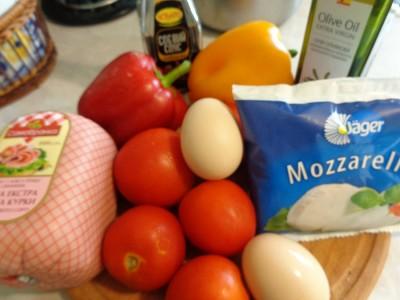 Салаты с ветчиной и сыром Моцарелла - DSC03523.JPG