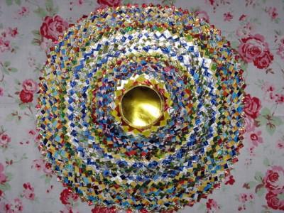 Настенные коврики из конфетных оберток - 03_kovrik.JPG