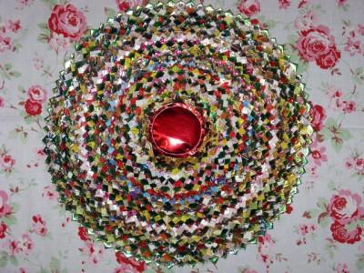 Настенные коврики из конфетных оберток - 13_kovrik.JPG