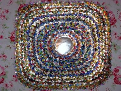 Настенные коврики из конфетных оберток - 16_kovrik.JPG