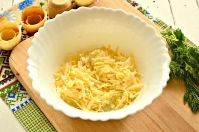 Быстрая закуска в тарталетках из яиц и сыра - 3.JPG