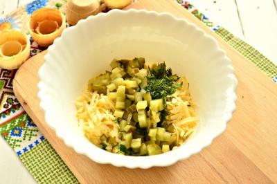 Быстрая закуска в тарталетках из яиц и сыра - 5.JPG
