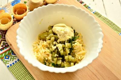 Быстрая закуска в тарталетках из яиц и сыра - 6.JPG