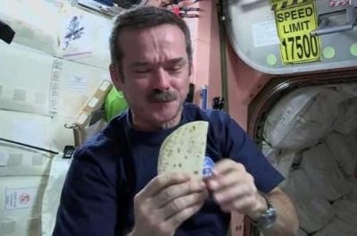 Специальный космический хлеб без крошек - 8.jpg