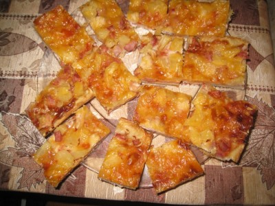 Фоторецепт: пицца с ананасами - IMG_4042.JPG