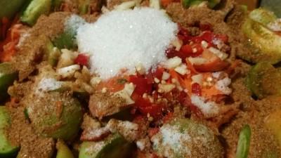 Салат из зеленых помидоров - o6mAMAVVmdM.jpg