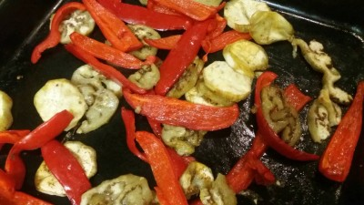 Салат с овощами и сыром Фета - 4pDBudv_3oI.jpg