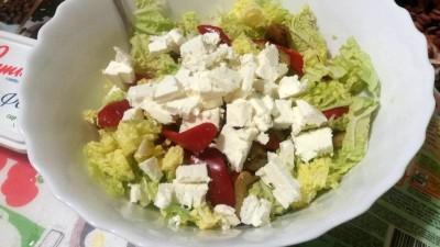 Салат с овощами и сыром Фета - V9XrL2vxvhQ.jpg