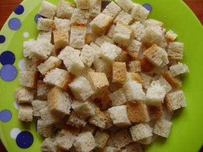 Сухарики из бездрожжевого хлеба - P3240321.JPG