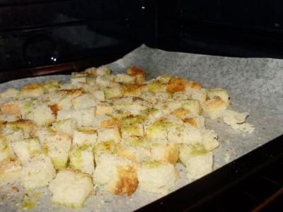 Сухарики из бездрожжевого хлеба - P3240339.JPG