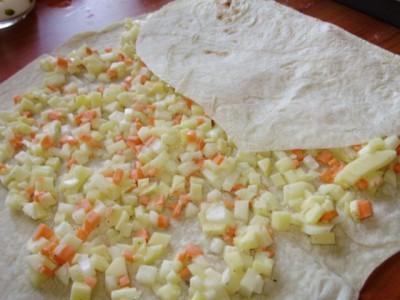 Закрученные овощи в лаваш с белым соусом в духовке - P3280506.JPG