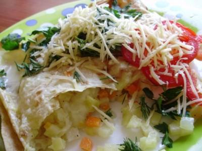 Закрученные овощи в лаваш с белым соусом в духовке - P3280529.JPG