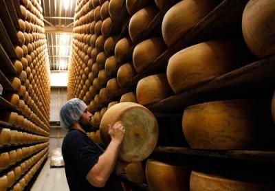 Розовый сыр со вкусом игристого вина в Британии и сырный дождь в РФ - 8.jpg