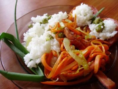 Рис с горошком и поджаренной колбасой - 07_ris_s_zharennoj_kolbasoj.jpg