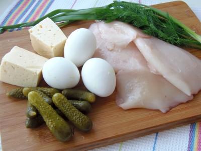 Салат из консервированных кальмаров - 1.JPG